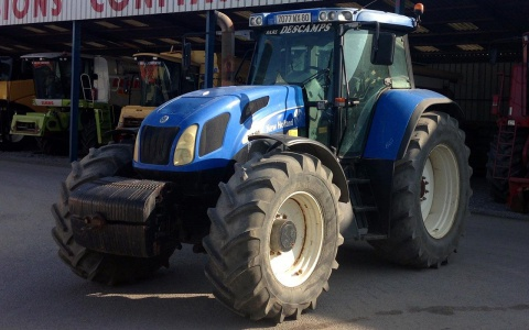 New Holland TVT190