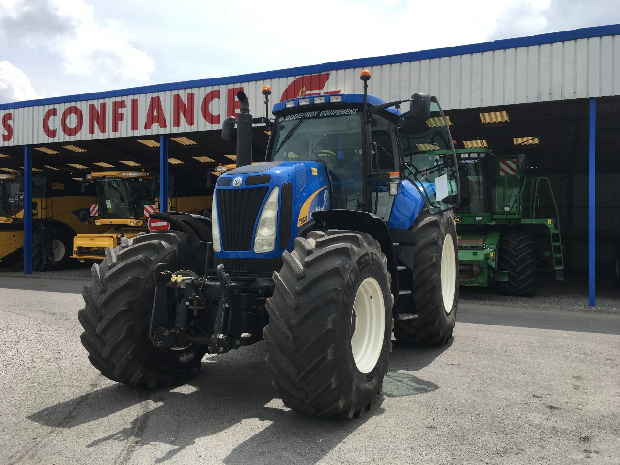 New Holland - NEW HOLLAND T8020