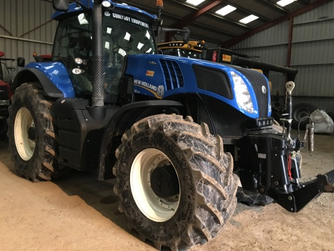 NEW HOLLAND T8 330 AC